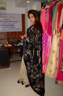 Neetu Chandra in Black Saree at Designer Sandhya Singh Store Launch Mumbai (57).jpg