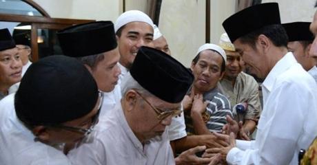 Saat Presiden Jokowi Bikin Kaget Jemaah Shalat Tarawih di Masjid Al Muslimun