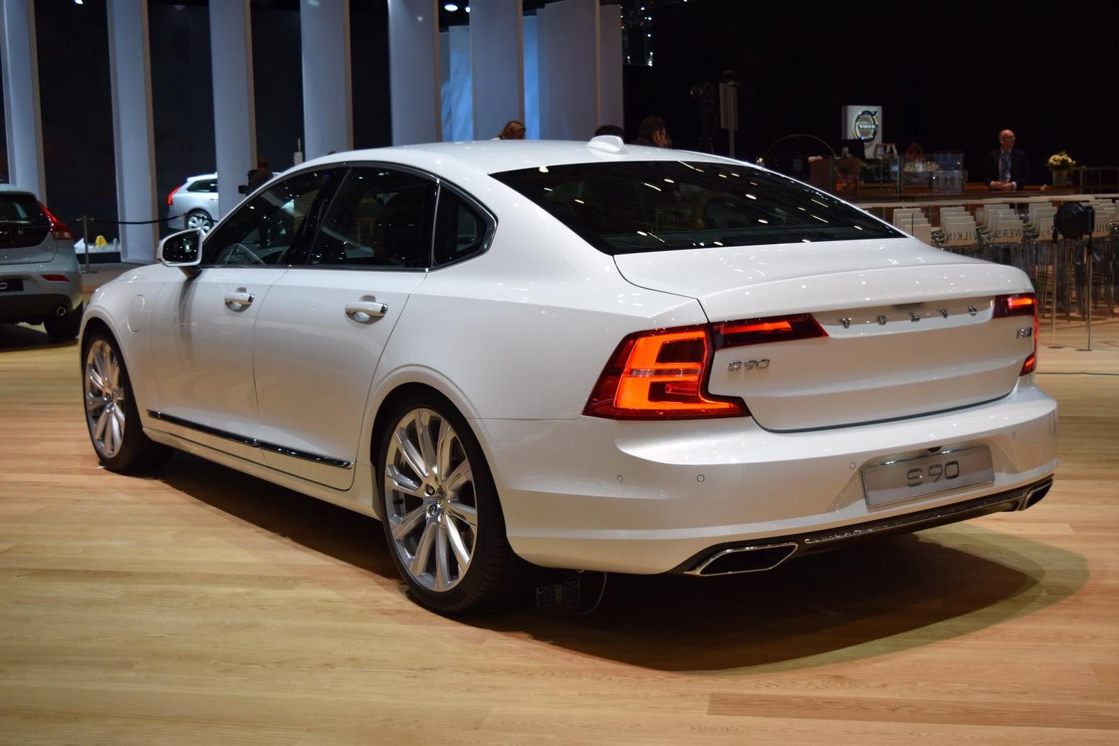 1377370876000-large-jetsw-11-0062-se Momentum Audi