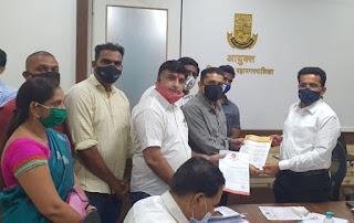 नगरसेविका स्नेहा पांडे ने नई बस सेवा शुरू करने के लिए आयुक्त को सौंपा स्मरण पत्र   #NayaSaberaNetwork