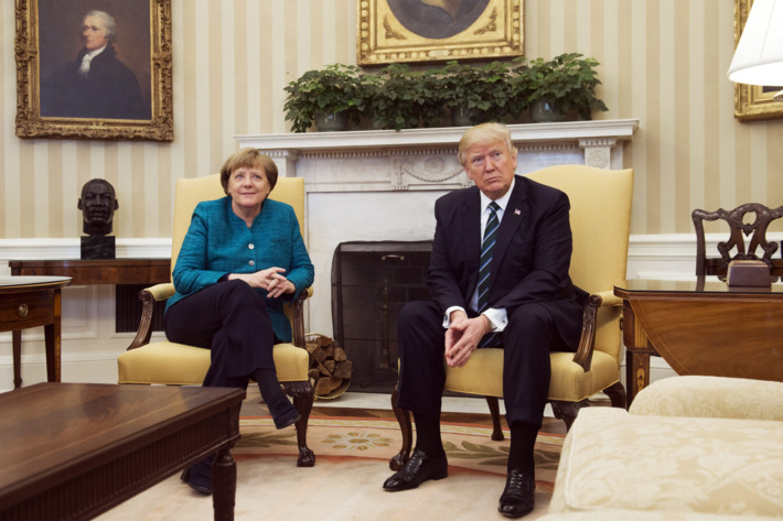 Trump refuses to shake Angela Merkel's hand (1)