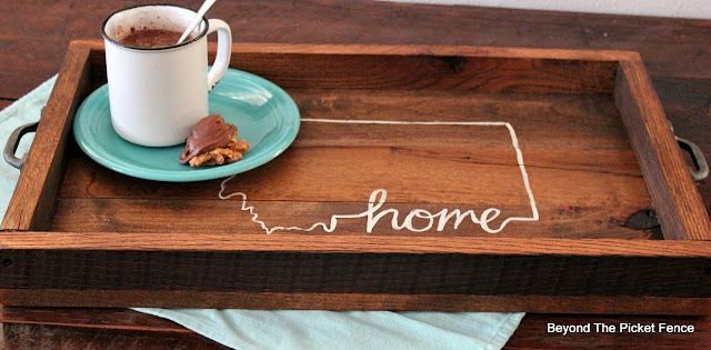 Build an easy tray from salvaged wood
