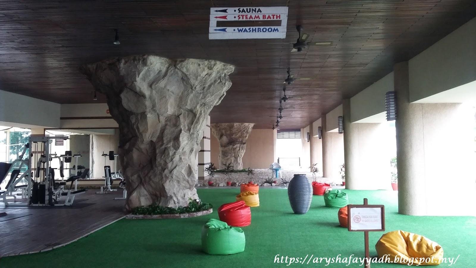 The gurney resort hotel residences penang sambutan ulang tahun ke 57 mak a k a opah for Gurney hotel penang swimming pool