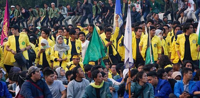 Aliansi BEM-SI Tolak Pertemuan Tertutup Dengan Jokowi