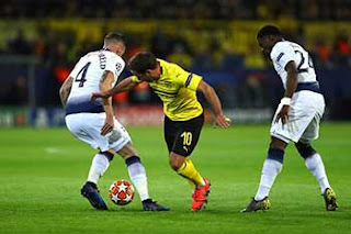 https://1.bp.blogspot.com/-DTN41x45SfY/XRdjDZXF7pI/AAAAAAAAGaI/OiOE_m-LxTcz9dlh5SyuLgae6oAfQKGxwCLcBGAs/s320/Pic_Football-_0574.jpg