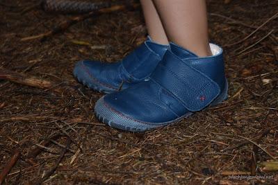 Pololo Schuhe im Wald
