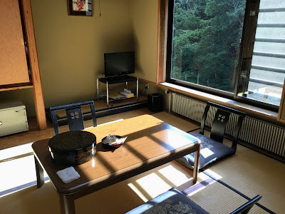 川古温泉 6畳リビング