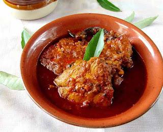 आइए सीख लीजिए कैसे बनाते हैं केरला स्टाइल फिश करी रेसिपी इन हिंदी   Kerala Fish Curry Recipe In Hindi   CurryHint  