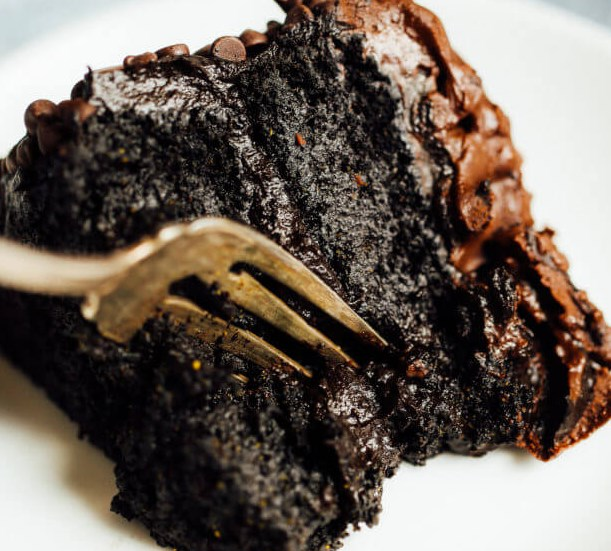 BLACKOUT HEALTHY PALEO CHOCOLATE CAKE #diet #whole30