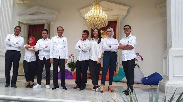 Sentil Stafsus Jokowi, Adian: Lakukan Sesuatu Kalau Bukan Pajangan!