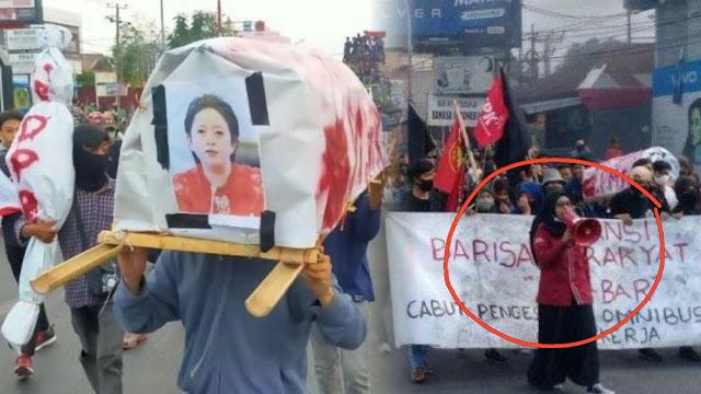 Mahasiswi Ditangkap gegara Usung Keranda Bergambar Puan , Tokoh Sulteng Galang Dukungan 1000 Tanda Tangan
