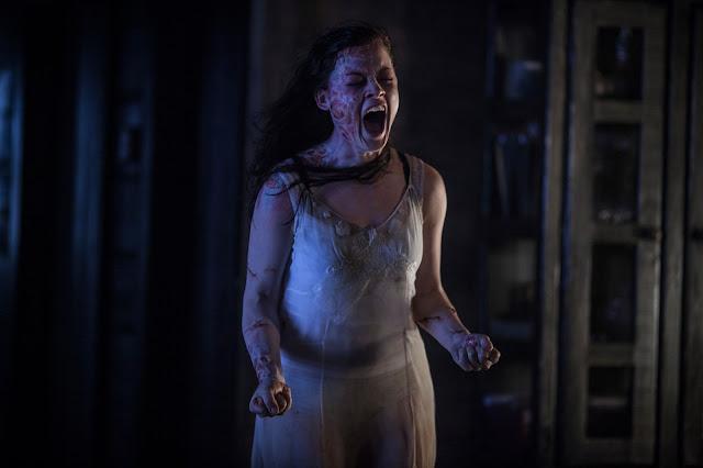 Evil Dead - Mia (Jane Levy) Feels the terror