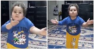 Τούρκος πιτσιρικάς χορεύει τσιφτετέλι και ξετρελαίνει το διαδίκτυο - ΒΙΝΤΕΟ