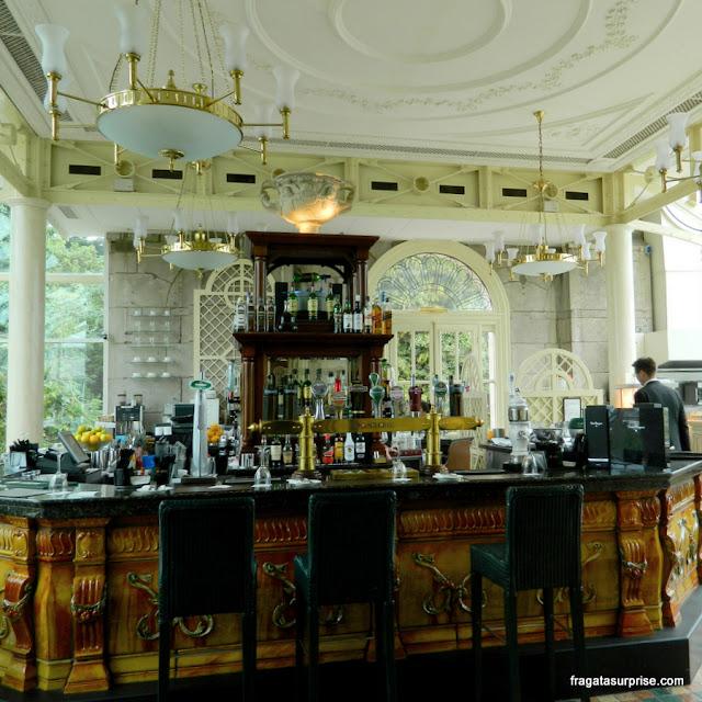 O bar do L'Orangerie, no hotel St Helen's Radisson Blu