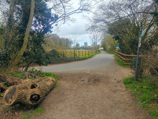 The point where Graveley bridleway 8 meets the lane