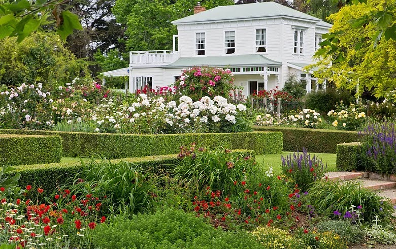 Real World Gardener Choosing The Right Plants In Design Elements