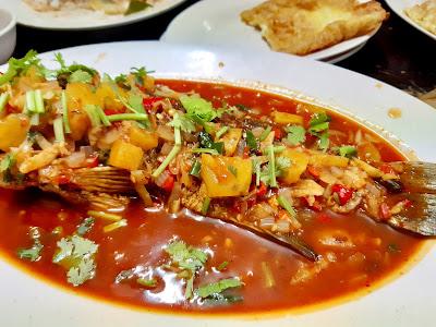 Dinner Tomyam Seafood Sedap Secukup Rasa