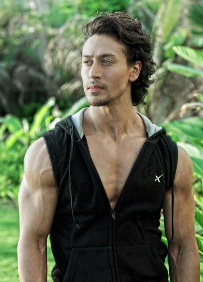 Tiger Shroff pic collection