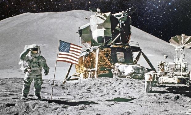 Apakah pendaratan di Bulan Neil Amstrong dengan Apollo palsu? Inilah faktanya