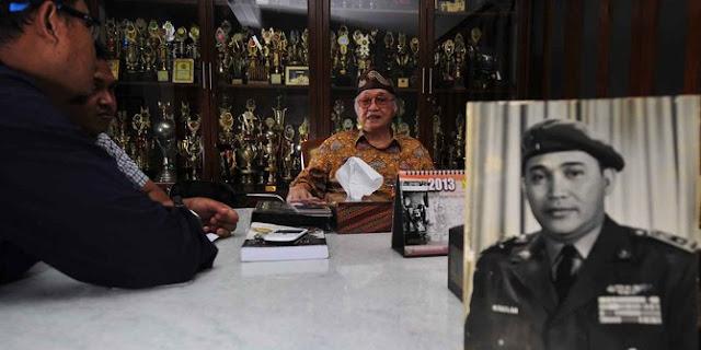 Maulwi Saelan Pengawal Pribadi Presiden Soekarno Meninggal Dunia