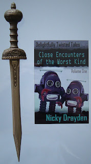 Portada del libro Close Encounters of the Worst Kind, de Nicky Drayden