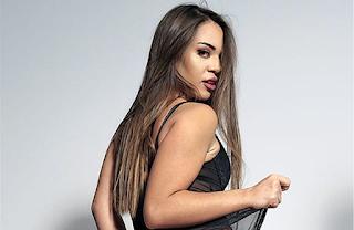 Ελληνίδα τραγουδίστρια σε ποpνοταινία - ΦΩΤΟ