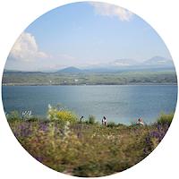 http://daydreamincolors.blogspot.fr/2012/12/armenia-part-2-lake-sevan.html