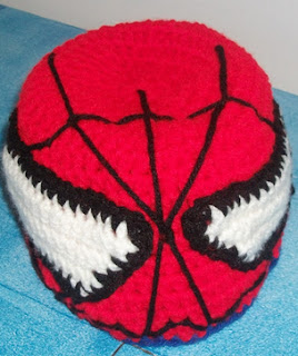 http://translate.googleusercontent.com/translate_c?depth=1&hl=es&rurl=translate.google.es&sl=en&tl=es&u=http://mrsmelodyadams.blogspot.com.es/2012/08/the-making-of-spiderman-crochet-hat.html&usg=ALkJrhgRqkYUAoJHq9xe4U4Yd1m1tGD5UQ