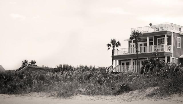 Pantai Berhantu dari Seluruh Dunia