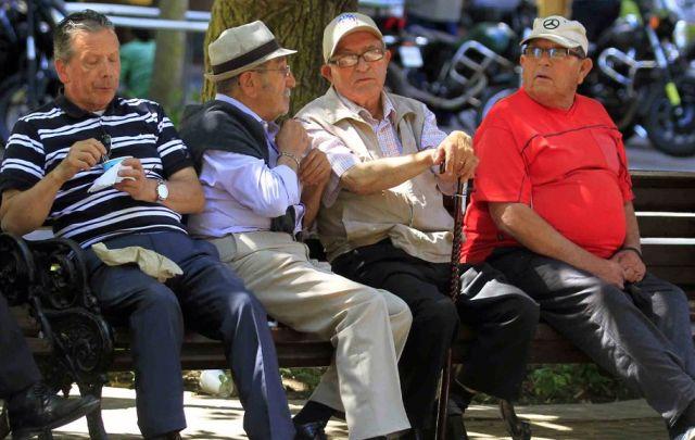 Pensiones y Salud pasan a ser la principal prioridad, según encuesta Cadem