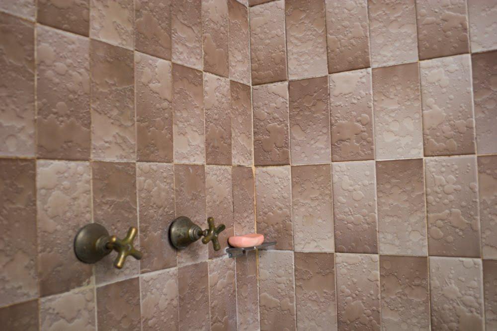 SOY SALSA: Unique Bathroom Tiles
