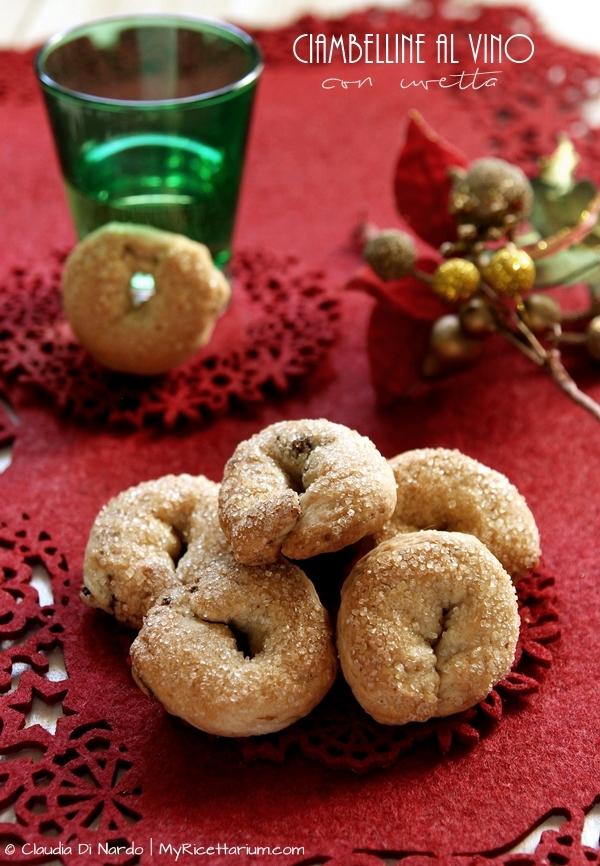 Ciambelline al vino con uvetta