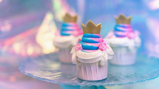 Magic Happens Parade Food, snacks, Jolly Holiday Bakery Café, Royal vanilla cupcake, Dia de los Muertos Hand Pie