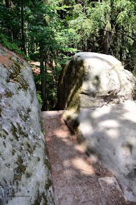 Hruboskalsko-okolice Zamecka vyhlidka, kamienne schody