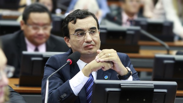 Ex-deputado federal da PB é alvo de operação da PF que apura desvio de verba em obras contra a seca