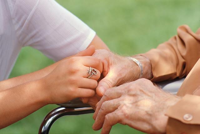 Ζητείται κυρία για την φύλαξη ηλικιωμένης