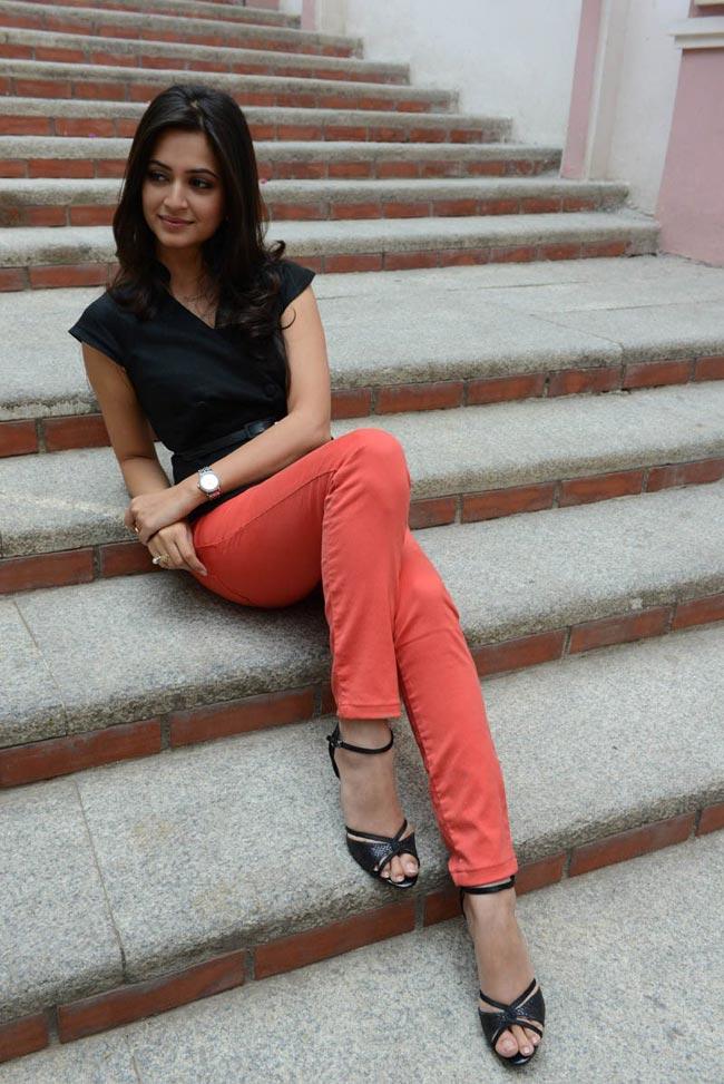 Kriti kharbanda latest photoshoot