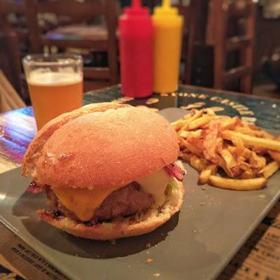 Hamburguesa de Portland Ale House en Valencia