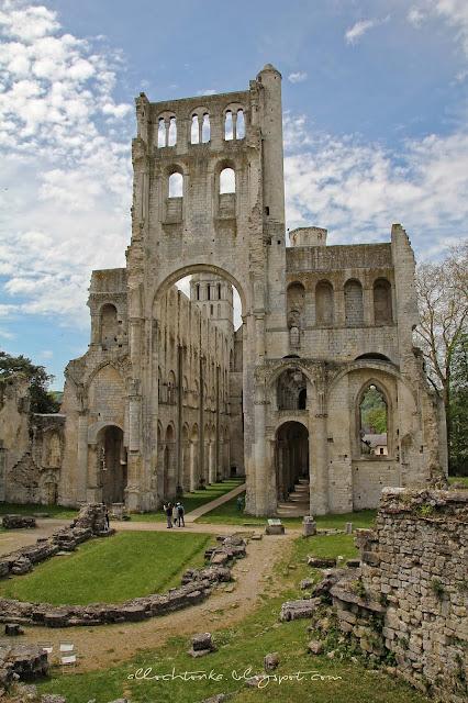 Tyle pozostało po średniowiecznej siedzibie zakonników