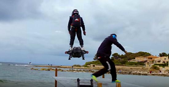 Skate voador bate recorde voando mais de 2Km sobre as águas
