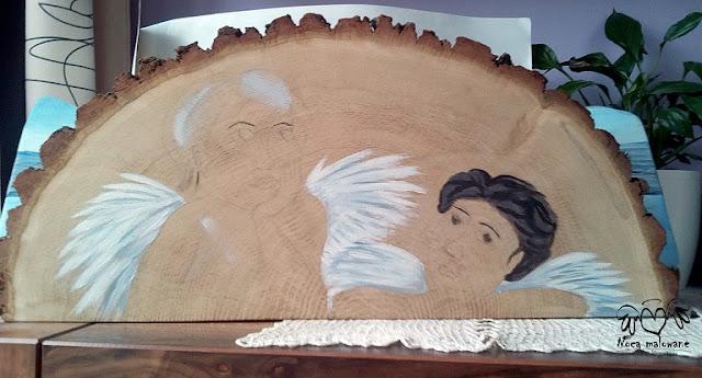 Aniołki na dębowym półkole