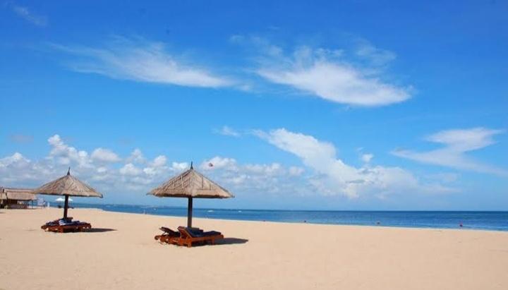Wisata alam terutama pantai memang menjadi daya tarik tersendiri bagi pariwisata Pulau Bal 5 Pantai Populer Di Bali Yang Indah Dan Eksotis