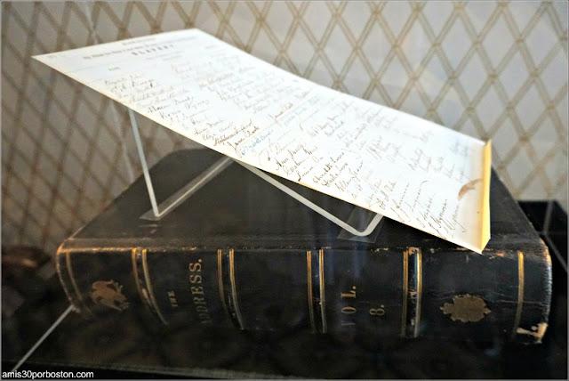 Libro Firmas Mujeres Británicas en la Casa de Harriet Beecher Stowe en Hartford