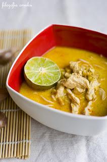 (Tajska zupa z kurczakiem