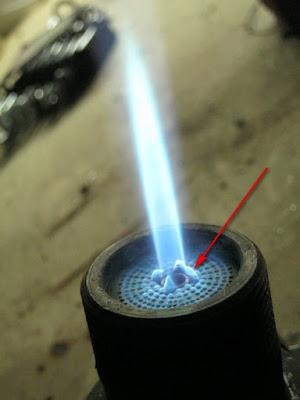 поджигающий факел