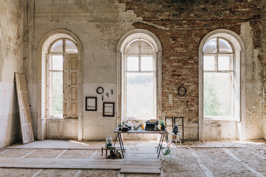 abandoned mansion styled wedding shoot
