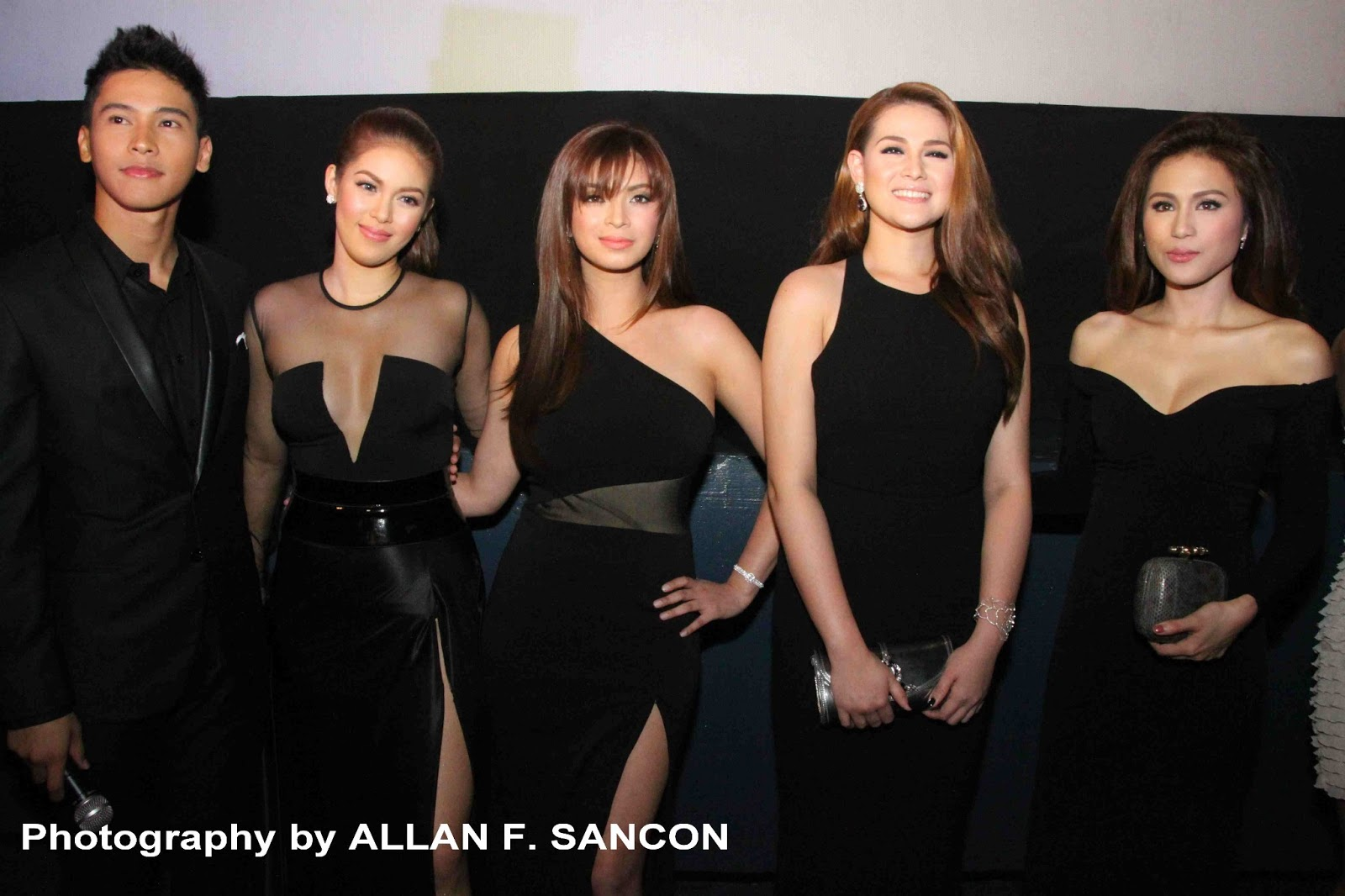 Four Sisters And A Wedding Premiere Night Photos