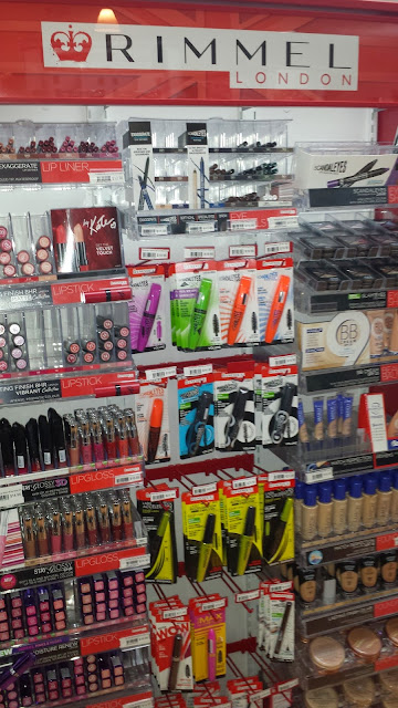 Rimmel London display stand - www.modenmakeup.com