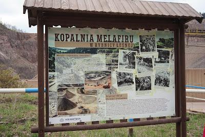 Kopalnia melafiru w Rybnicy Leśnej tablica informacyjna
