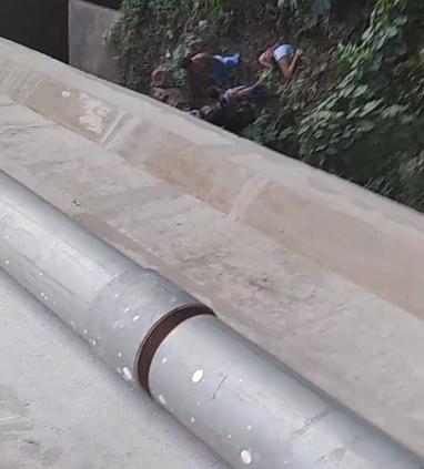 Mulher se joga de ponte em Afogados da Ingazeira